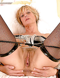 my mature wife gets a new cock