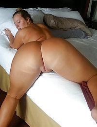 mature curvy mom nude pics
