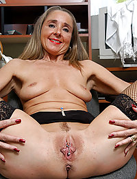 mature wife triple penetration