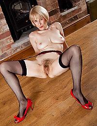 voluptuous mature amateur nudes