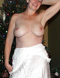 mature mom armpits