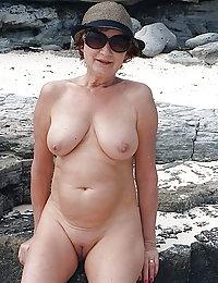 amateur wife jerking off long cock