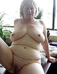 mature ebony mom in stockings