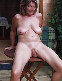 busty amateur wife sybian
