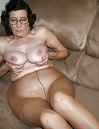 chesty amateur wife big balloons