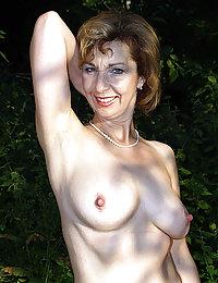xxx mature old mom big tits
