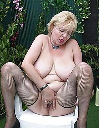 mature nudes tiny tits pictures