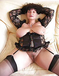 mature tnin nudes with a belly