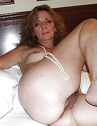 voyeur mature wife wanks watching guys
