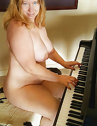 amateur wife fake boobs blonde