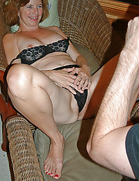 mature wife wants to try lesbian sex
