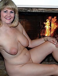 mature big belly wife tube