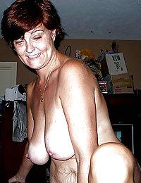 mature mom fingering in shower