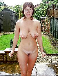 mature mom janet leslie anal