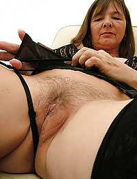 sexy mature mom wants to be fucked abusedby family