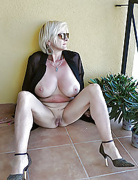 hot thin amateur swinger wife