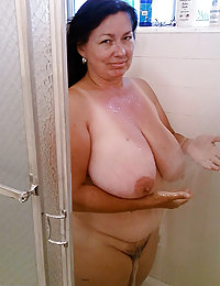 mature mom dripping wet pussy